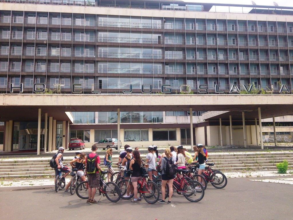 IBikeBelgrade bij Hotel Yugoslavija